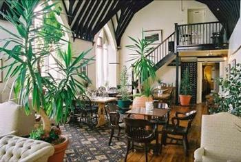 Main Hall restaurant in Swindon  and Wootton Bassett at the school house hotel